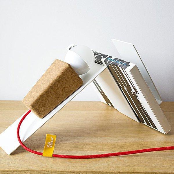 Magnetická stolní lampa GLINT