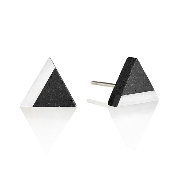 GRAVELLI JEWELLERY Naušnice Triangle Steel – antracit