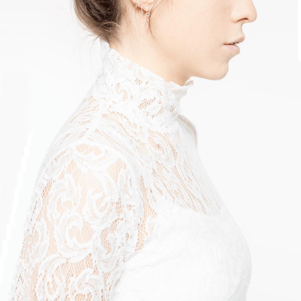 Bílé krajkové tričko s dlouhým rukávem – Blonda – S