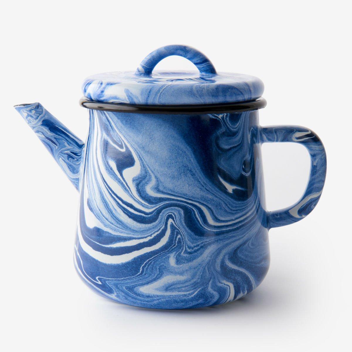 Modrá smaltovaná čajová konvice
