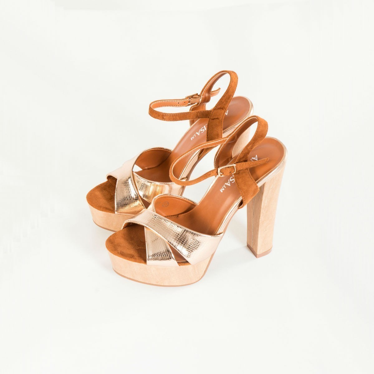 Měděné sandálky na podpatku - 39