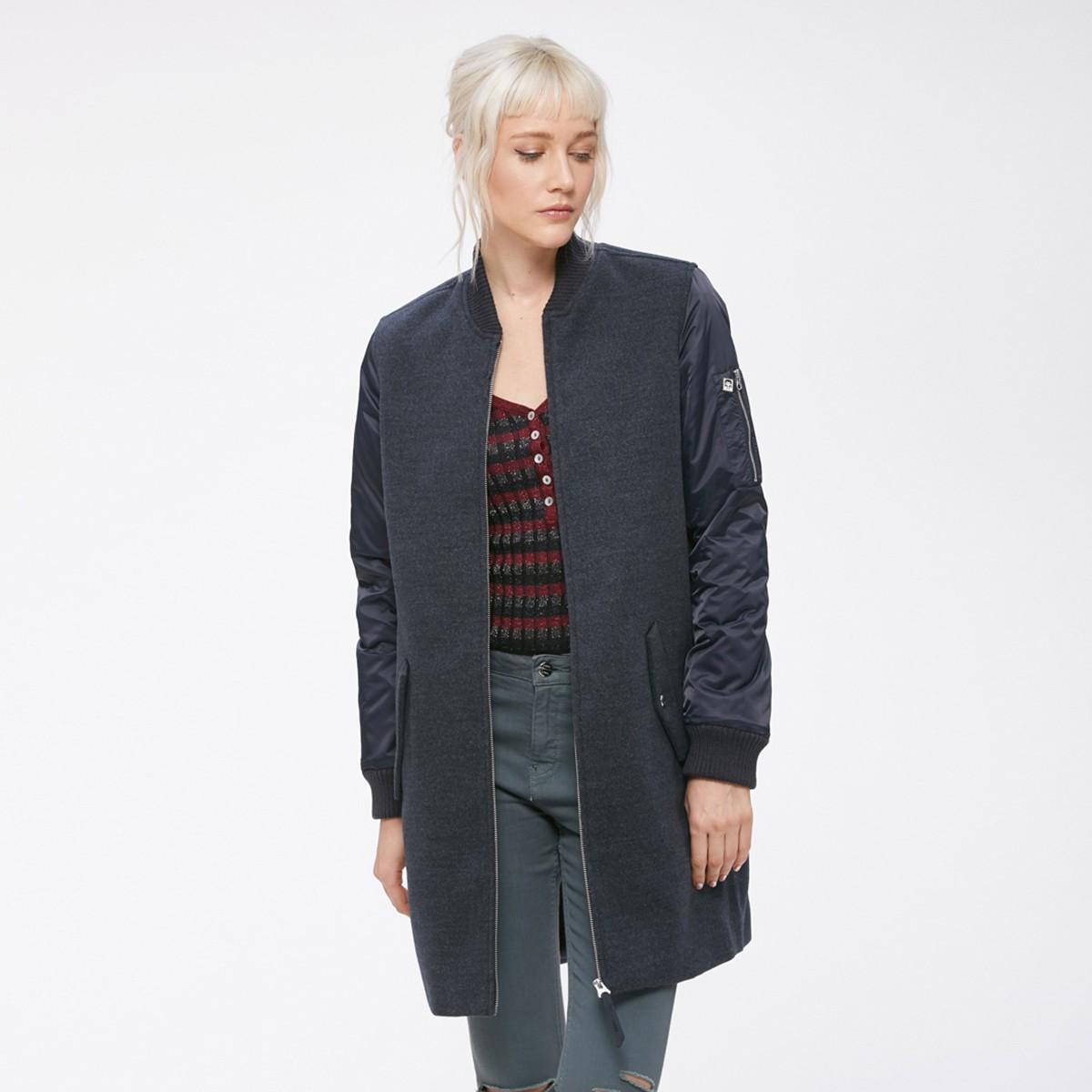 Tmavě modrý kabát – Birmingham – M