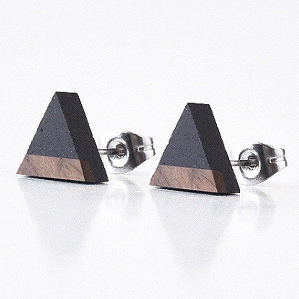 GRAVELLI JEWELLERY Naušnice Triangle Wood – antracit
