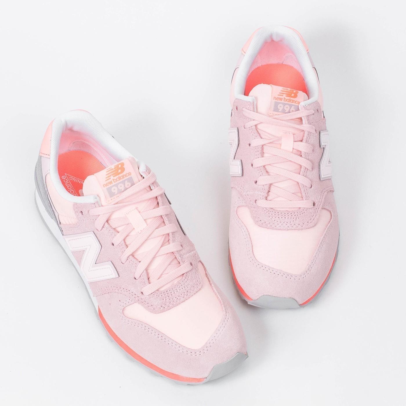 Světle růžové tenisky 996 – 39