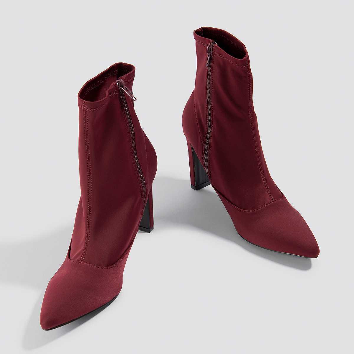 Bordó Dilara × NA-KD saténové kotníkové boty na podpatku – 37