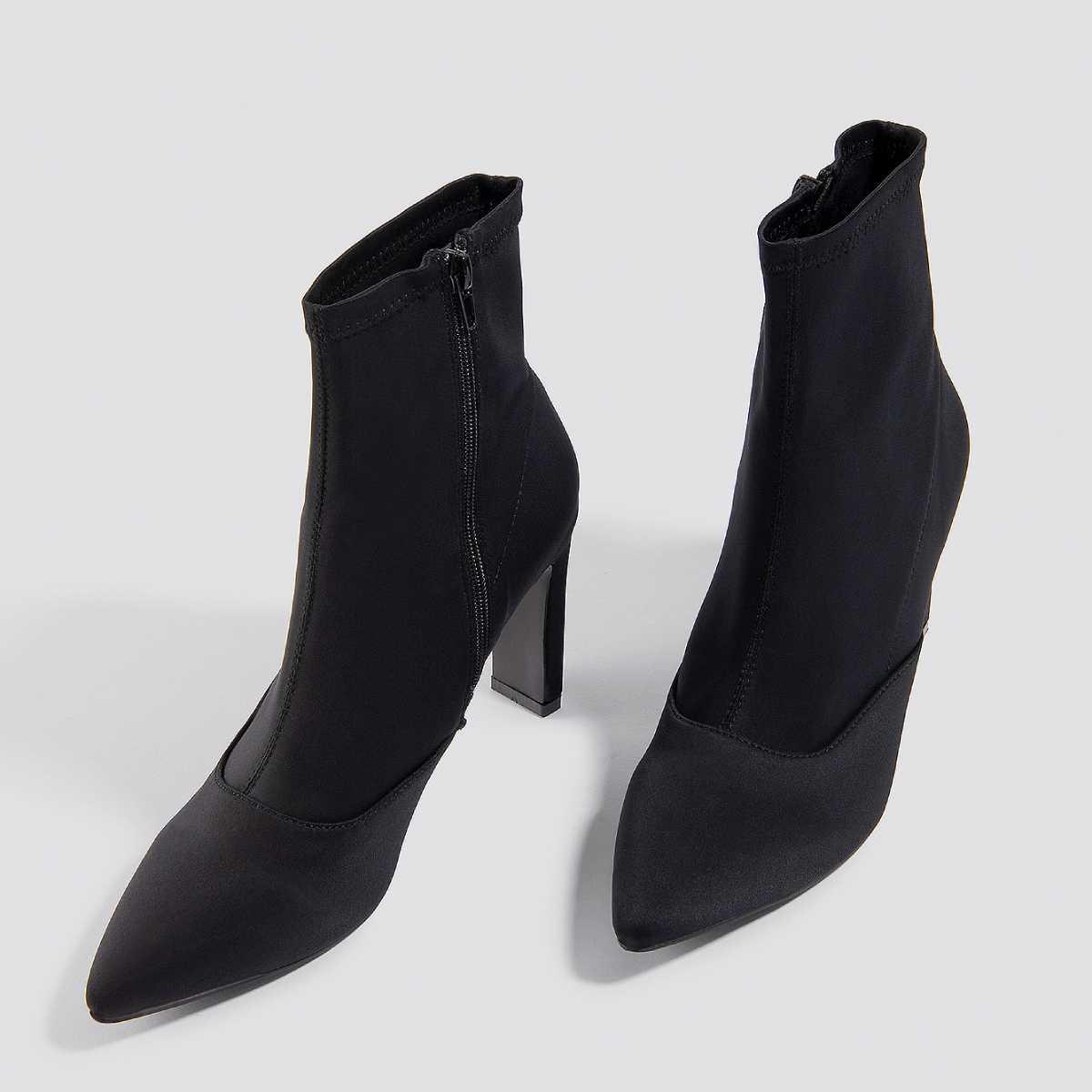Černé Dilara × NA-KD saténové kotníkové boty na podpatku – 38