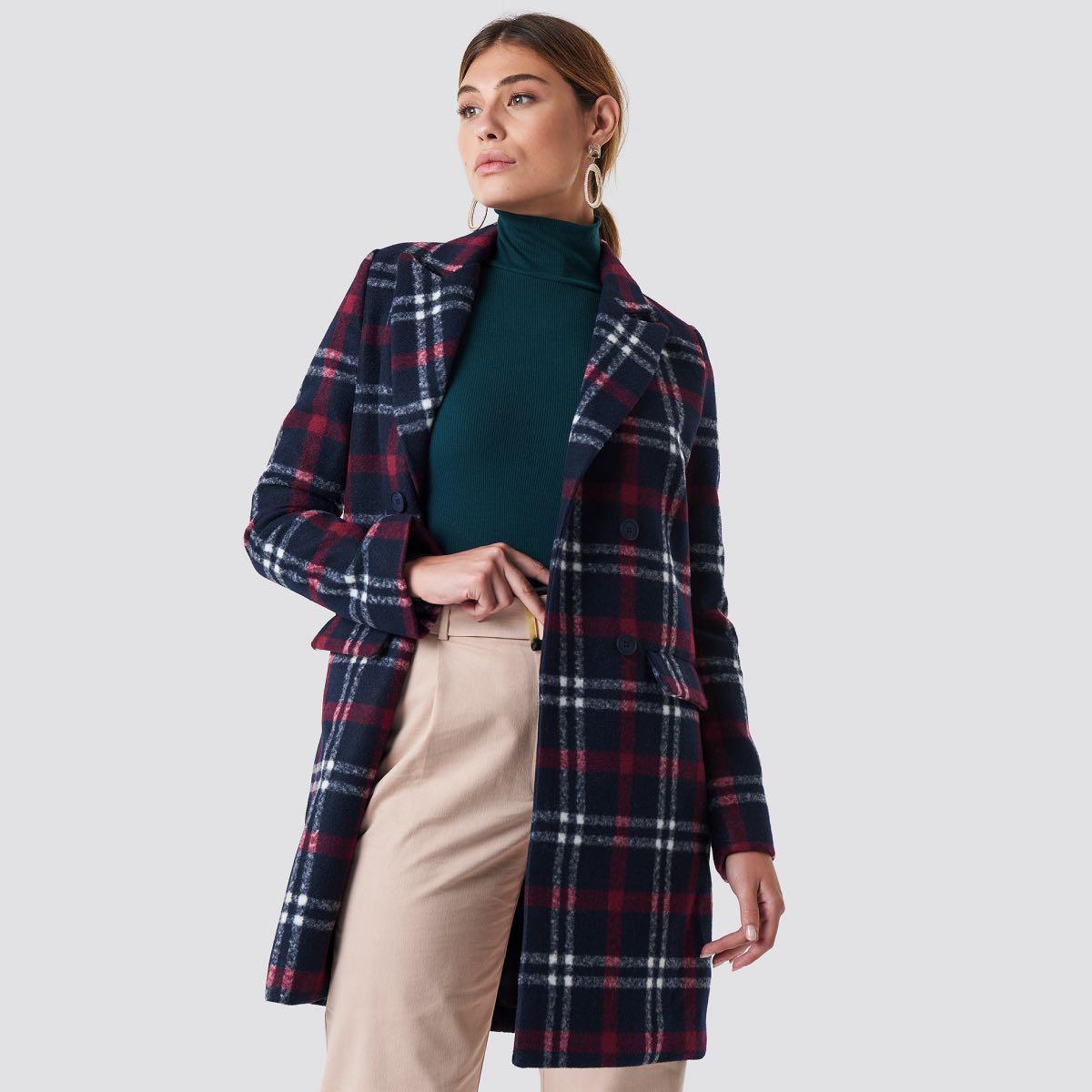 Tmavě modrý kostkovaný kabát – 38