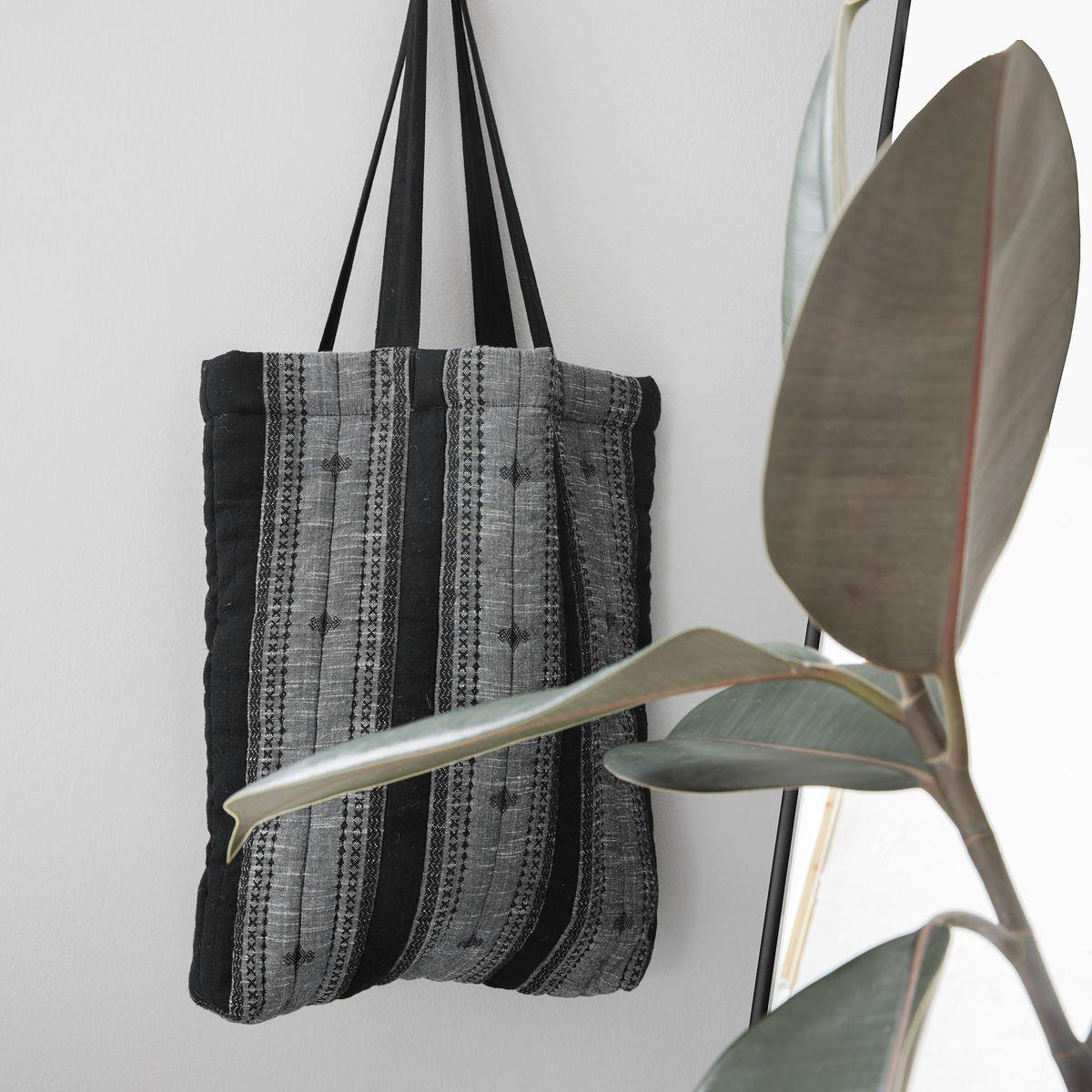 Velká černá taška Toti