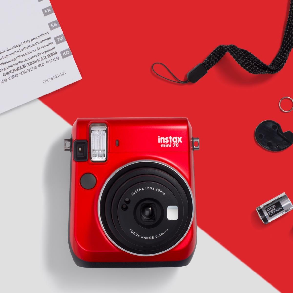 Instantní červený fotoaparát Mini 70