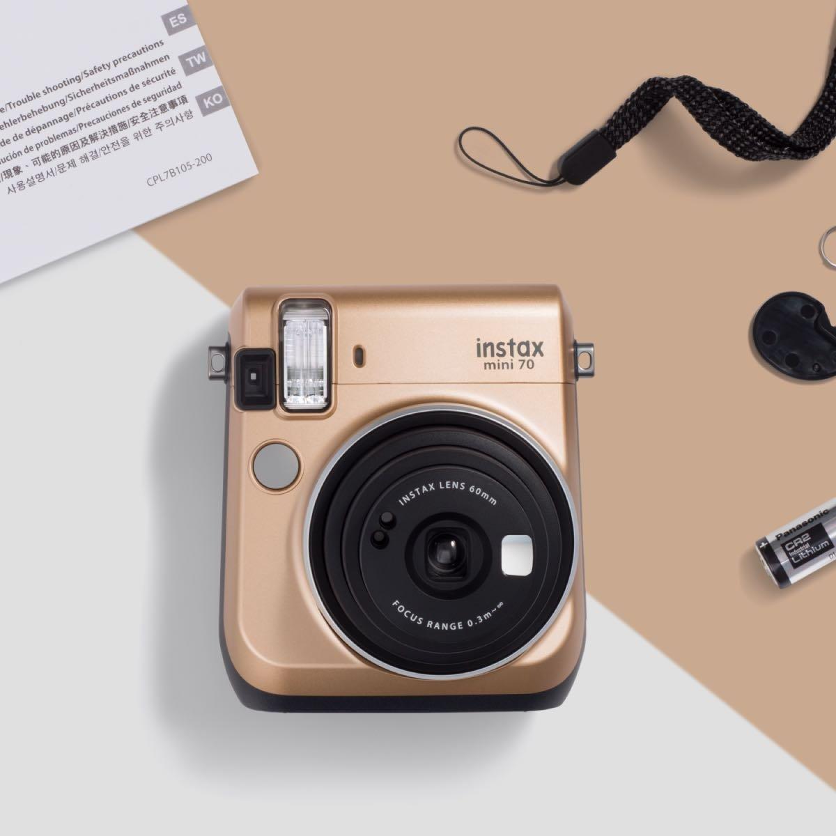 Instantní zlatý fotoaparát Mini 70