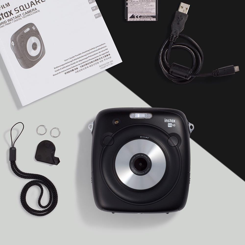 Černý instantní fotoaparát SQ10