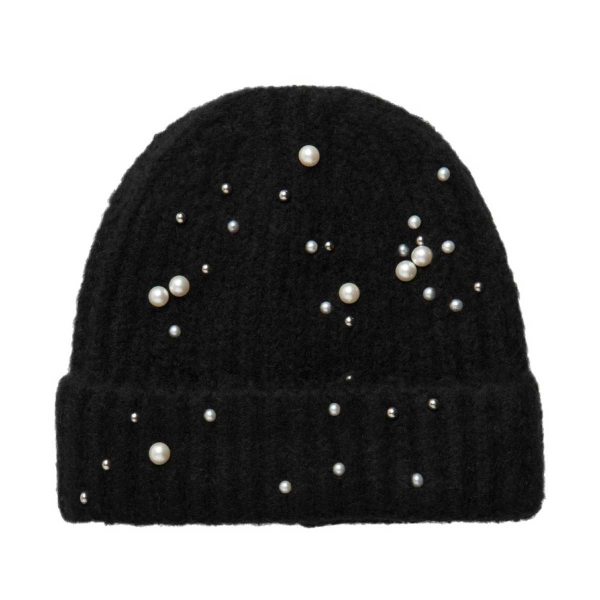Černá zimní čepice s perličkami f46abe0f59