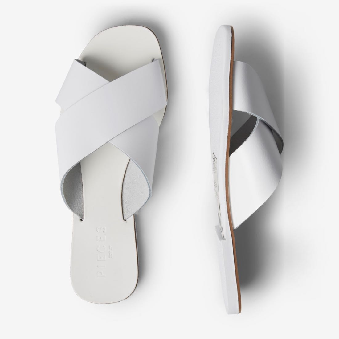 Bílé kožené pantofle Chara – 36