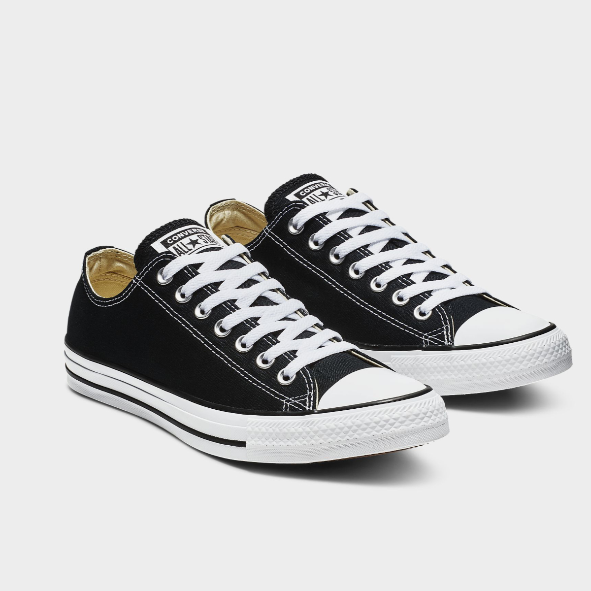 Chuck Taylor All Star: Black – 42
