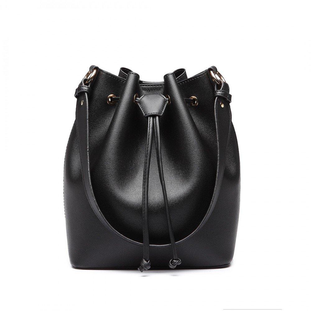 Černá kabelka přes rameno