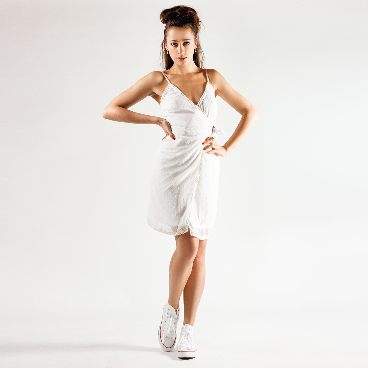 Bílé zavinovací šaty – 40