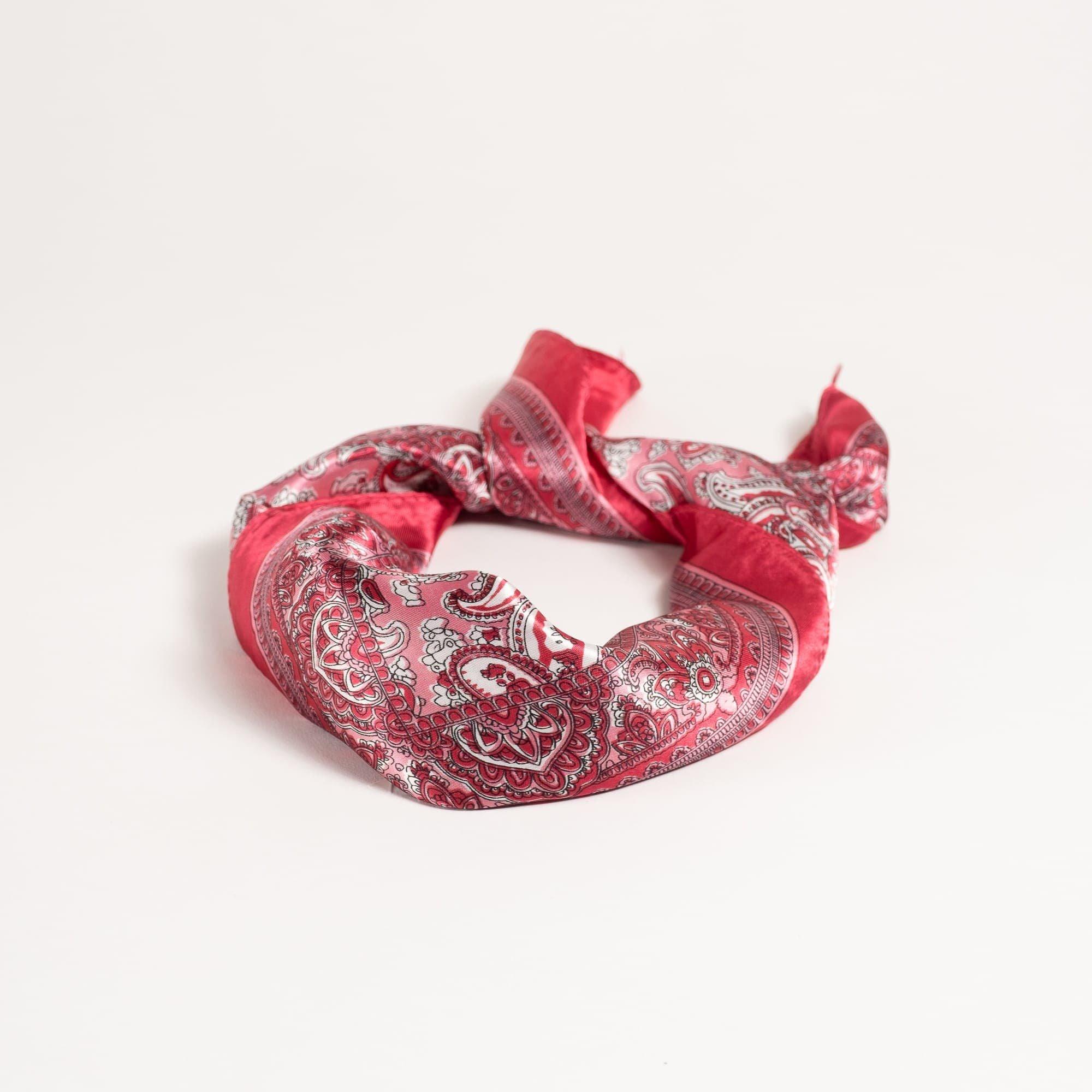 Červený šátek Paisley