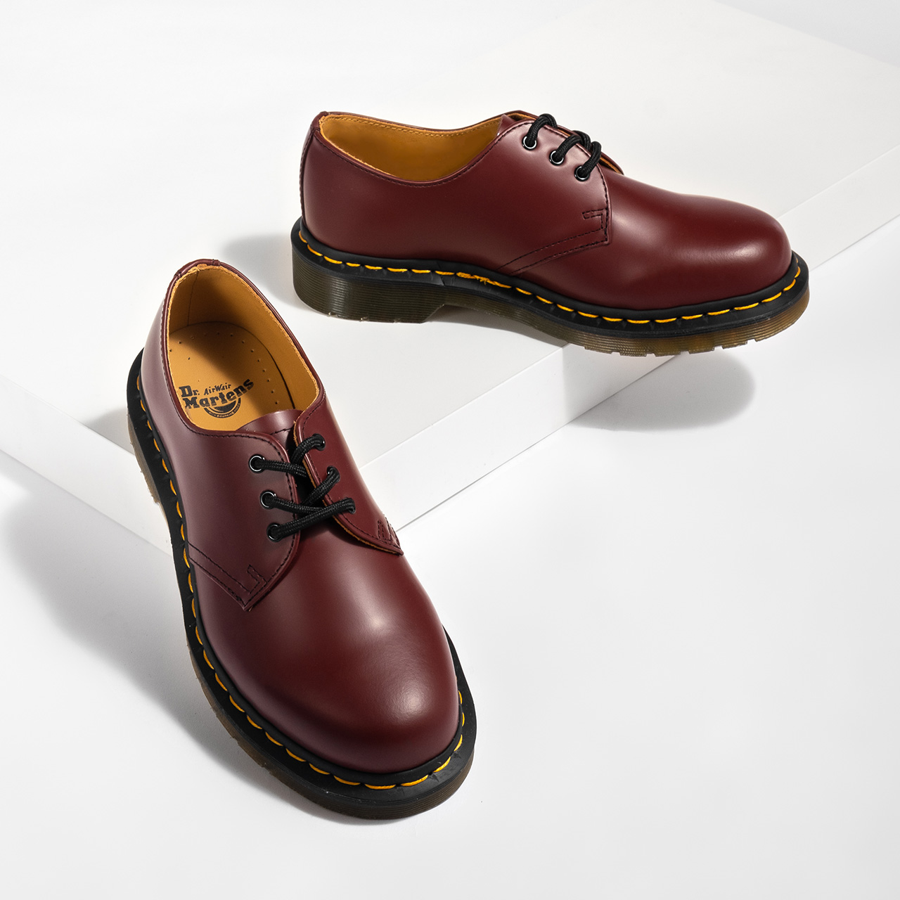 DR. MARTENS 1461 Smooth Leather Shoes – 37, nízké červená