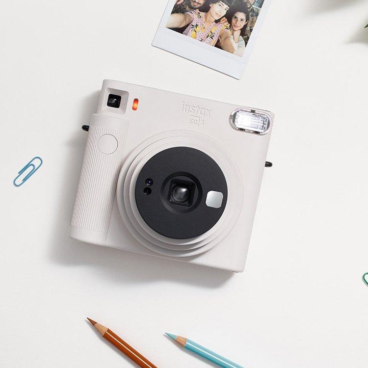 Bílý instantní fotoaparát SQ1